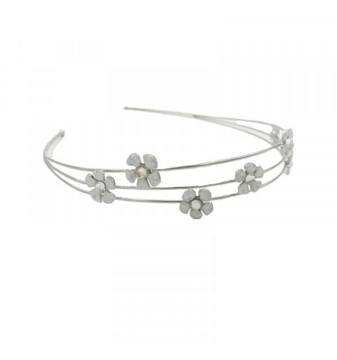 Diadem med stenar och blommor i vita silver midsommar