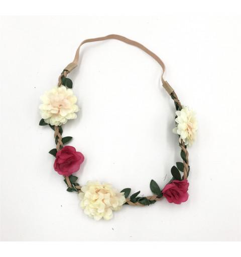 blomsterkrans i tyg Midsommar hårband med blommor  vita blommor med gröna löv brun elastisk