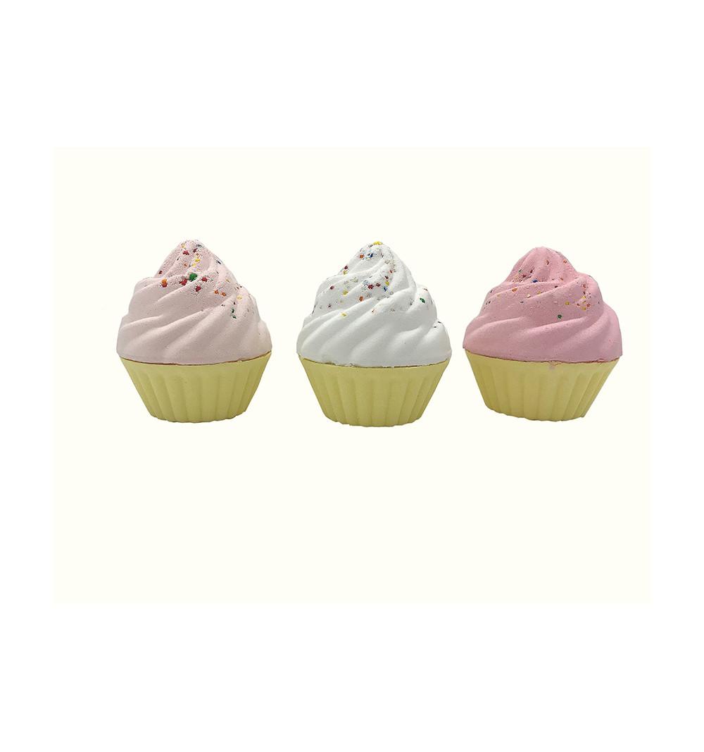 Badbomb i forma av en Cupcake i olika färger