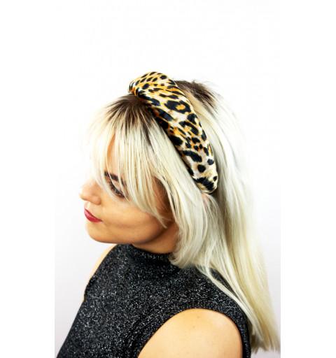 Vadderat diadem med leopardmönster.