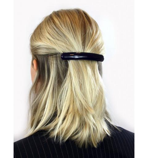 Enfärgad hårklämma