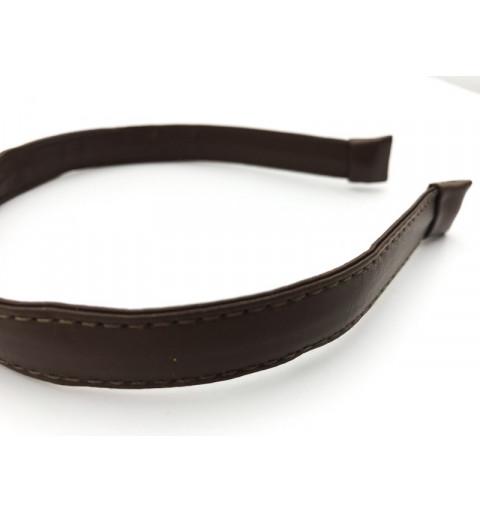 Ge ditt hår lite stil! Bli elegant och stilig med dessa läderdiadem! Välj mellan brunt eller svart diadem. Säljes i 1-pack